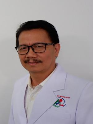 dr. Hilarius Kambey, Sp.M
