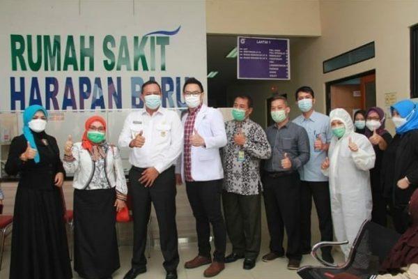 Terima kasih sudah memilih  RS. Taman Harapan Baru sebagai rumah sakit yang dikunjungi dan diberikan bantuan APD oleh Bpk. Wakil Walikota Bekasi